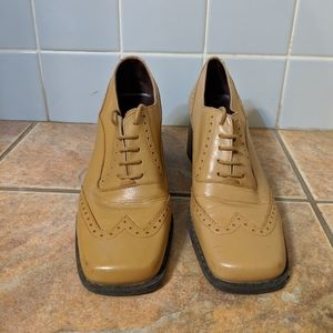 Tan Oxford heels